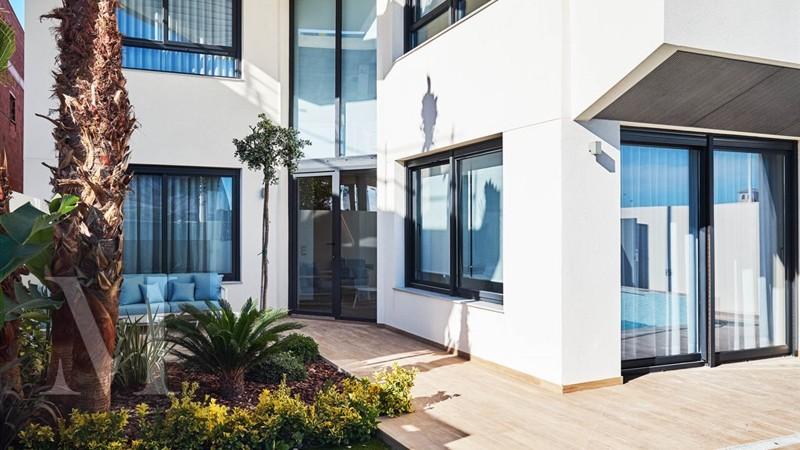 Luxueuze villa's op 300 meter van het strand van Torrevieja!
