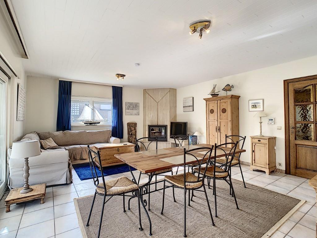 Instapklaar appartement met tuin en garage op wandelafstand van het strand!